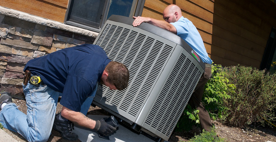 ac team performing a new installation